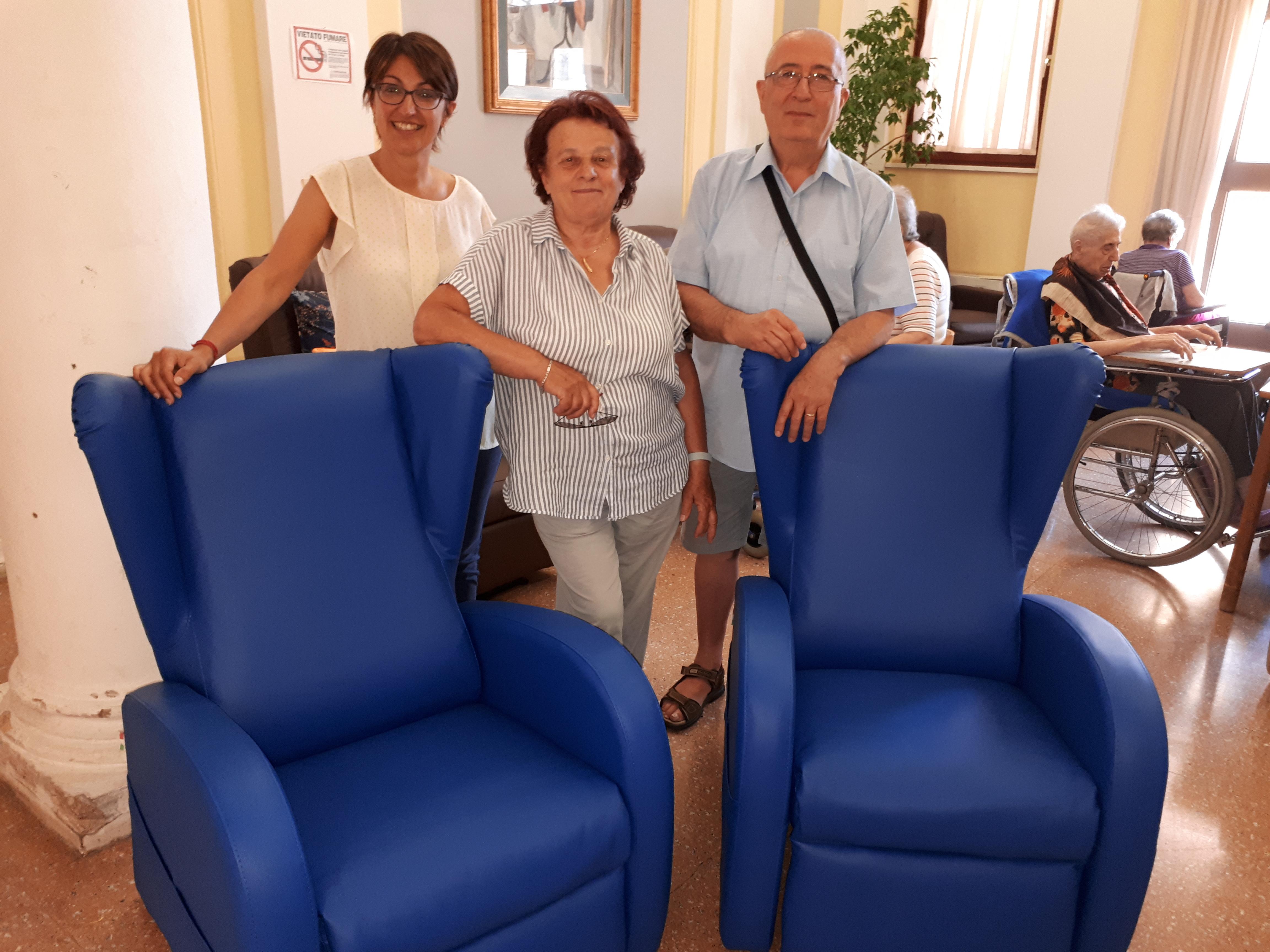 Nuove poltrone per gli anziani della casa di riposo for Finanziamento della costruzione di nuove case